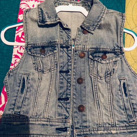 American Eagle Outfitters Jackets & Blazers - American eagle jean vest